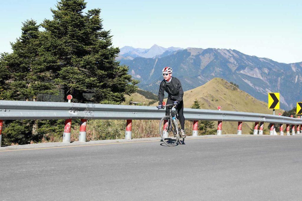 urban-nutters-interview-story-coffee-roaster-bryan-raku-sports-biking